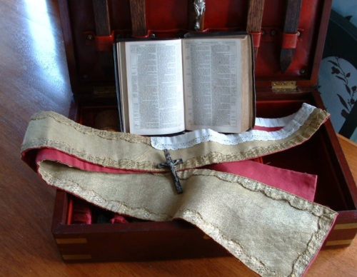 c1900 Vampire Kit Bible and Vestment